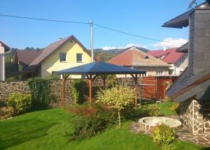 Náhradná plachta na altánok, dáždniky, hojdačky